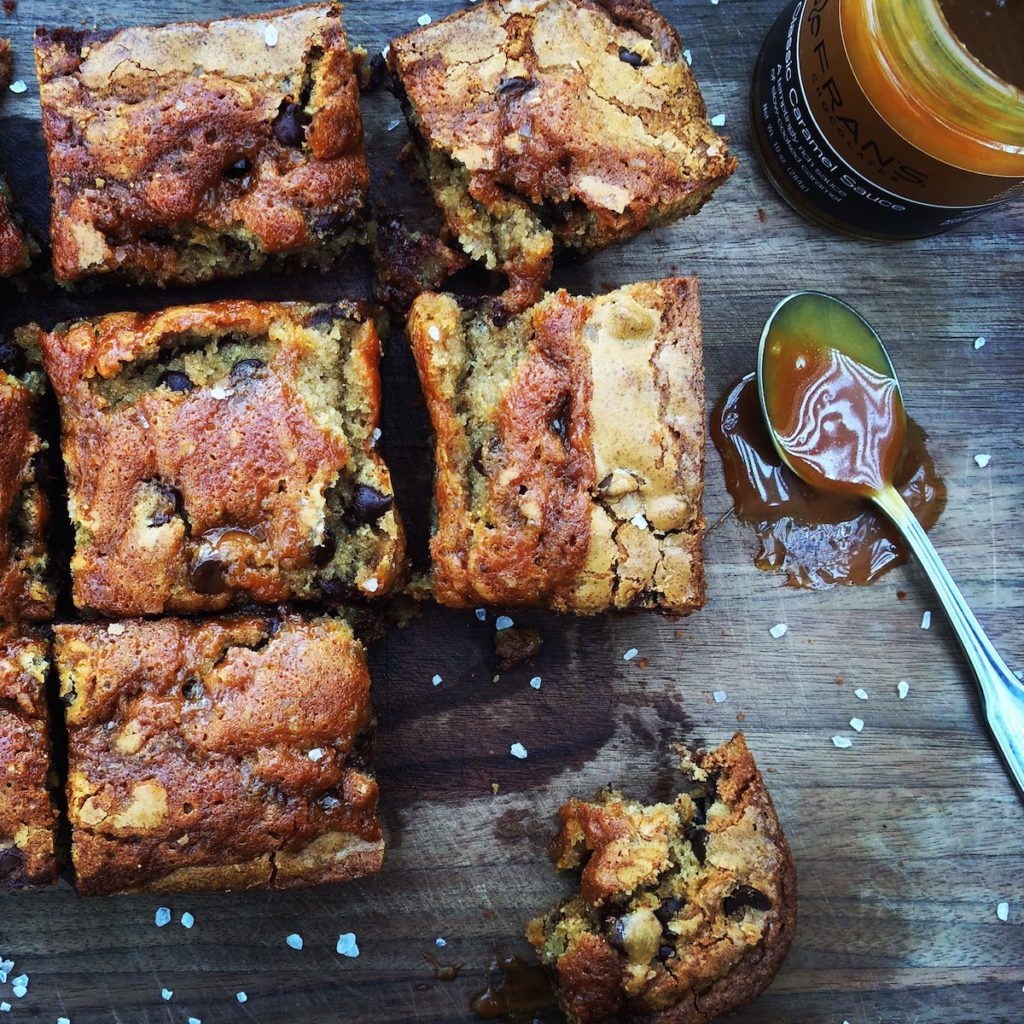 Salted Caramel + Brown Butter Blondies Recipe | Displaced Housewife