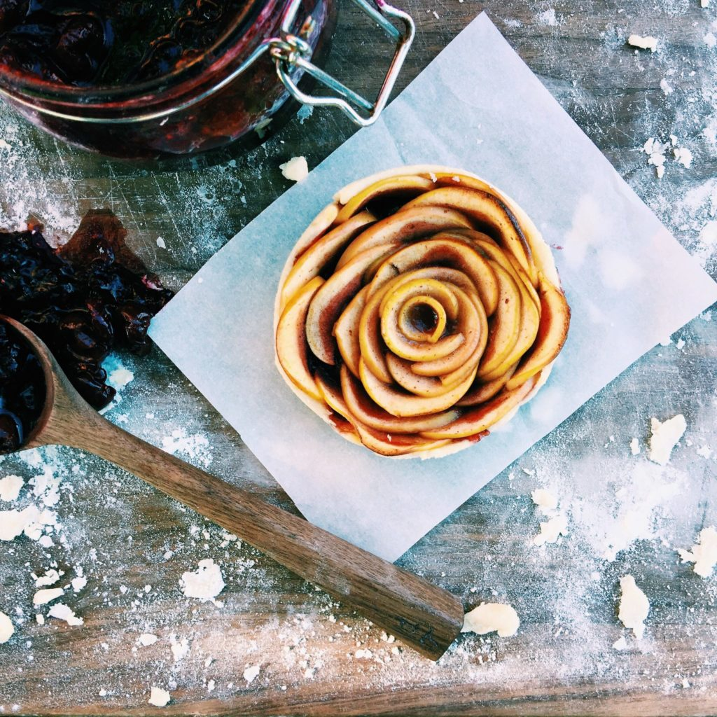 apple + cranberry petite rosette tarts | Recipe via DisplacedHousewife