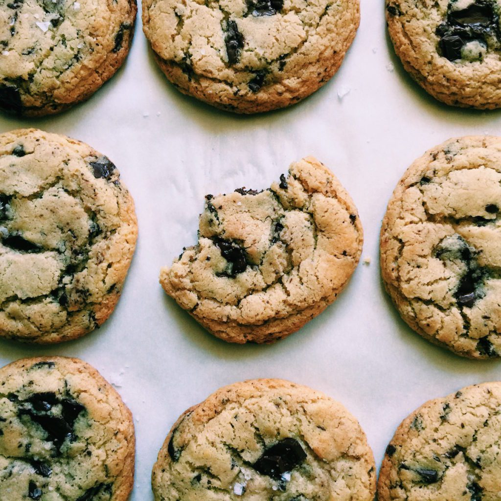 the best gluten-free brown butter chocolate chip cookies | Recipe via DisplacedHousewife