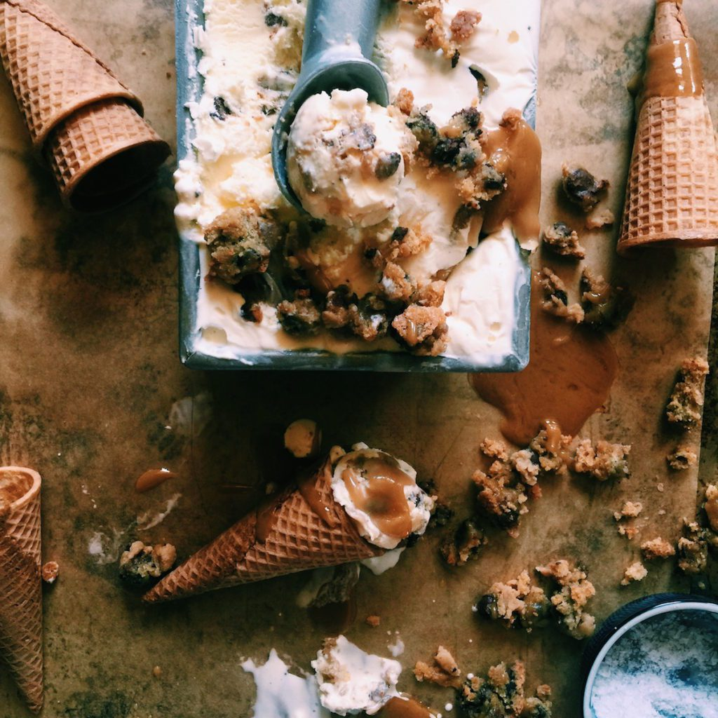 Salted Caramel Brown Butter Blondie Ice Cream | recipe via DisplacedHousewife | Tips + instructions with or w/out an ice cream maker!