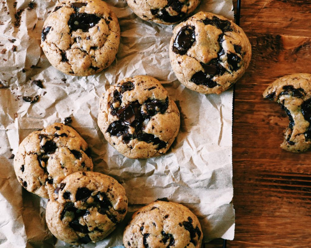 ProcSpiced Pumpkin Chocolate Chunk Cookies | recipe via DisplacedHousewife | Soft + chewy with lots of warm and fuzzy spices. And brown butter...always. xoessed with VSCO with c1 preset