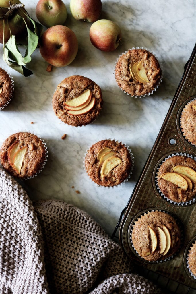 Apple Cinnamon Muffins | Recipe via DisplacedHousewife | apples + spices @displacedhousewife