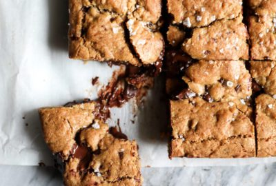 Brown Butter Muscovado Chocolate Chunk Bar Cookies Recipe | DisplacedHousewife